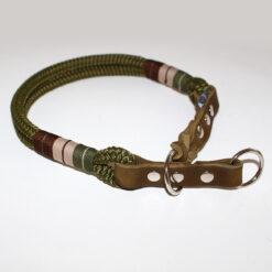 Halsband in Grüntönen aus Tau und Leder